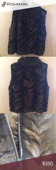 Fox fur vest Hand made fox fur vest. Has a lining and leather around the zipper. Green/brown coloring. Jackets & Coats Vests