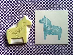 hand carved rubber stamp by talktothesun. style woodland + animal stamp series for your birthday, baby shower + crhristmas diy crafts. these designs are inspired by swedish vintage dala horse. Stamp Carving, Carving Tools, Motif Simple, Make Your Own Stamp, Art Handouts, Eraser Stamp, Mark Making, Hand Carved, Activities For Kids