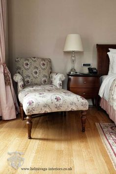 Vintage interior design styles feature soft colours and patterns.