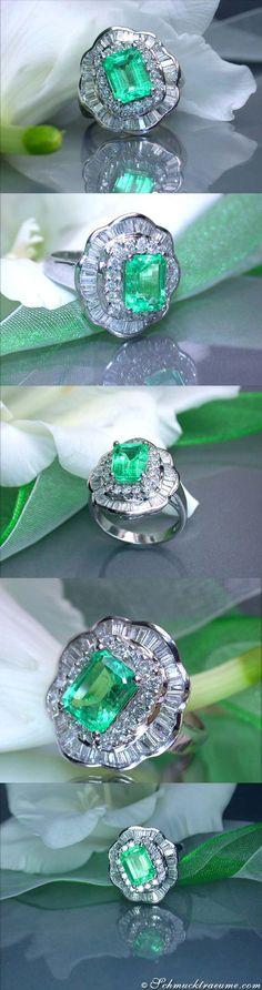 Dreamlike Emerald Diamond Ring, 3,79 cts. WG18K - Visit: schmucktraeume.com - Like: https://www.facebook.com/pages/Noble-Juwelen/150871984924926?ref=hl - Mail: info@schmucktraeume.com