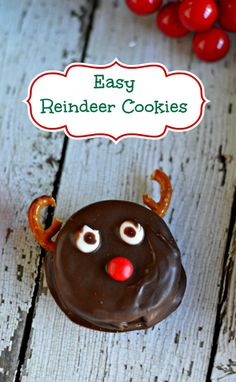These Easy Reindeer Cookies are perfect for a last minute Christmas treat. via createcraftlove.com