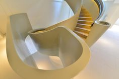 sculptural staircase at Ribbon House