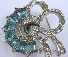 Coro Craft Aqua Blue Rhinestone Brooch Pin~Pre WWll