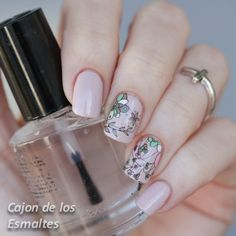 Flowers and nude - Nail art with water decals