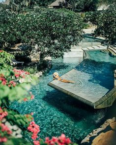 The award-winning AYANA Resort and Spa Bali is a world-class destination resort located on 90 hectares of cliff-top land perched above Jimbaran Bay, just 10 kilometers from Bali airport.