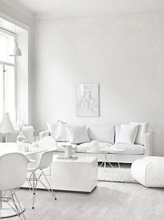 witte woonkamer | white living room | vtwonen 10-2016 | photography ...