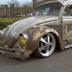 Super cool slammed VW Beetle at Volksworld 2019 Show. Check out the latest Aircooled Life Apparel fusca videos Slammed VW Beetle Vw Volkswagen, Volkswagen Bus, Volkswagen Beetle Vintage, Vw Vintage, Vintage Trucks, Vw Rat Rod, Rat Rods, Wolkswagen Van, Vw Classic