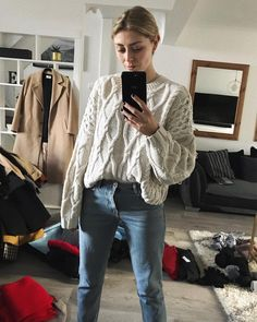 """6,438 Likes, 66 Comments - Emma Hill   EJSTYLE (@emmahill) on Instagram: """"Currently packing for our trip tomorrow but Simon and I will be doing an Instagram LIVE at 7pm…"""""""