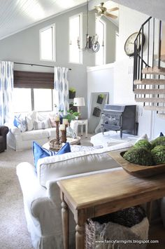 Amazing house transformation without major renovations - just lots of paint and style <3