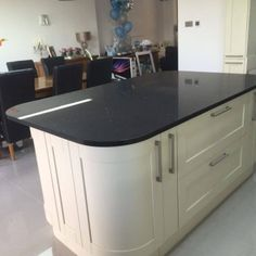 This is the Nero Stella. It is a bold statement black with mirrored pieces throughout. Fabulous and classy. Kitchen Worktop, Kitchen Island, Black Quartz, Classy, Urban, Home Decor, Island Kitchen, Decoration Home, Chic
