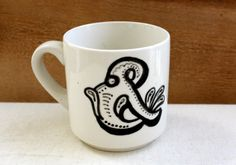 cute retro ampersand mug. | the apothecary bee. #ampersand #retro #ilovetea