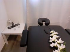 Massage by Rossella Massagen #massagespa #massageliege #massage #massaggio #massagetime #massagetherapy #relax #wellness #relaxtime #relaxmassage #relaxing #entspannung #entspannungsmassage #entspannungszeit #rossellamassage Spa Massage, Massage Therapy, Relax, Wellness, Soft Light, Keep Calm, Massage