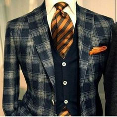Autumn look: Awesome plaid sport coat with striped tie Sharp Dressed Man, Well Dressed Men, Mode Masculine, Mens Fashion Suits, Mens Suits, Fashion Menswear, Mode Mantel, Herren Outfit, Suit And Tie
