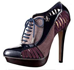 Sapato Oxford Feminino? Isso mesmo! O sapato que originalmente era uma peça masculina, agora ganhou versão feminino e é o sonho de consumo de muitas
