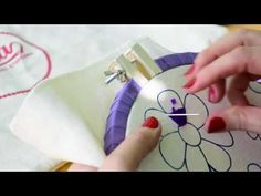 Knitting Embroidery Videos and Lessons Basic Embroidery Stitches, Silk Ribbon Embroidery, Hand Embroidery Designs, Diy Embroidery, Embroidery Techniques, Cross Stitch Embroidery, Embroidery Patterns, Sewing Patterns, Baby Moccasin Pattern