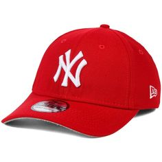 New Era New York Yankees Fashion 39THIRTY Cap ($30) ❤ liked on Polyvore featuring men's fashion, men's accessories, men's hats, red, mens caps and hats and mens red hats