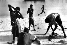 Claude Dityvon,   Retour de pêche, Zanzibar, 2001