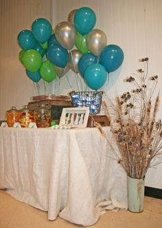 love the balloon colors for a fish themed party