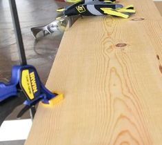 DIY Pallet ideas for Home: DIY Live Edge Table