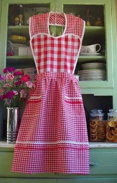 Heart apron in red gingham