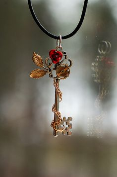 I've been seeing this in silver everywhere, but I couldn't figure out where to buy it! After searching for steampunk/steam punk key rose, I found a pinner who actually had a link to a DeviantArtists site that took me to their Etsy page =] SO here it is!!! Artist is KeepersCove.