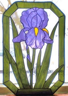Bearded Iris - by PJ's Vintage Visions        Beautiful use of the glass grain to give the iris & leaves texture.