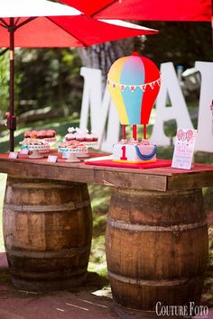 Fancy That Events!, Hot Air Balloon Theme, Dessert Table, Up up and away, Hot Air Balloon Cake, First birthday, Cake Table, Fancy Baby, Barrels, Rustic Chic, Malibu Cafe, Cake Stands, Hot air balloon cupcakes, Couture Foto,