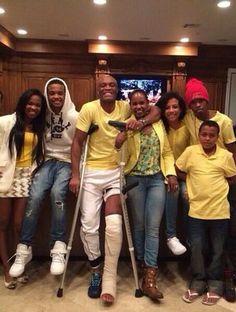 La Araña con muletas   Anderson Silva e família (Foto: Reprodução / Twitter)