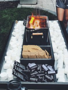 Gartenparty VSCO - tan-lines What you need to remember when you are using a landscaping software pro Summer Nights, Summer Vibes, Summer Fun, Fun Sleepover Ideas, Sleepover Party, Summer Aesthetic, Aesthetic Food, Night Aesthetic, Beach Aesthetic