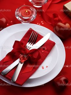 Romantic Valentine Dinner | Romantic Dinner. Table place setting for Valentine's Day - Foto de ...
