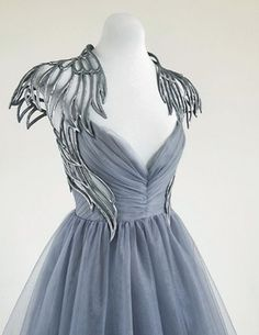 gorgeous gowns Absolutely in awe of this hand sculpted angel gown by Linda Friesen Dress Outfits, Fashion Dresses, Dress Up, Prom Dresses, Angel Dress, Dress Beach, Quinceanera Dresses, Wedding Dresses, Angel Outfit