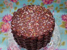 Layer cake de chocolate negro y lemon curd