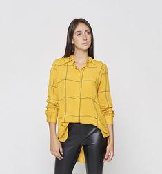 Camisas y Blusas Studio F | Moda Femenina 2019 Leggings, Ruffle Blouse, Shorts, Tops, Women, Fashion, Sweater Vests, Jackets, Topcoat