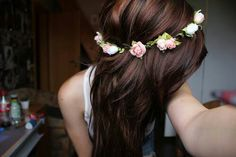 Hair ♡ with flowers! Love it