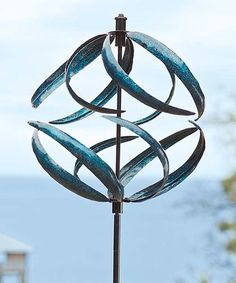 Our wind spinners, whirligigs and garden spinners bring incredible movement to your outdoor d�cor. Shop metal wind spinners, copper wind spinners and more.