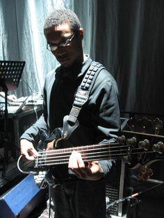 Calvin Turner (Bass)