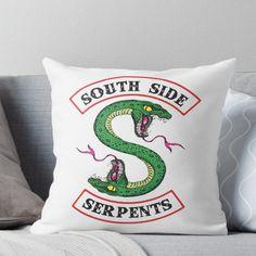 'Riverdale - South Side Serpents' Throw Pillow by wingkofara Riverdale Merch, Bughead Riverdale, Disney Pixar, Cole Spouse, Riverdale Fashion, Riverdale Cole Sprouse, Funny Pillows, River Dale, Throw Pillows Bed