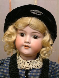"""CHARMING 24"""" Antique German Armand Marseille 390n Child Doll in STUNNING OUTFIT"""