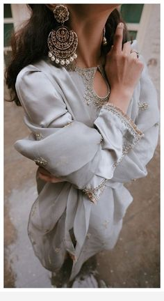 Superb earrings and silver dress Pakistani Dress Design, Pakistani Wedding Dresses, Indian Wedding Outfits, Pakistani Outfits, Bridal Outfits, Indian Outfits, Pakistani Fashion Casual, Pakistani Bridal, Indian Look