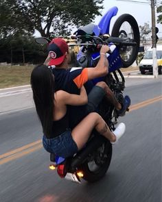 Cars and motorcycles Motocross Couple, Bike Couple, Motorcycle Couple, Motorcycle Bike, Biker Chick, Biker Girl, Cute Couples Goals, Couple Goals, Biker Love