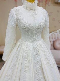 Muslimah Wedding Dress, Muslim Wedding Dresses, Wedding Dress Trends, Wedding Dress Styles, Simple Wedding Gowns, Gorgeous Wedding Dress, Hijab Evening Dress, Evening Dresses, Fairytale Bridal