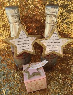 Baby shower favors champagne 37 ideas for 2019 - My CMS Baby Shower Snacks, Baby Shower Party Favors, Baby Shower Fall, Gender Neutral Baby Shower, Baby Shower Centerpieces, Baby Shower Themes, Baby Boy Shower, Baby Shower Gifts, Shower Ideas