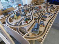 Ho Train Layouts, N Scale Layouts, Ho Trains, Model Trains, Model Railway Track Plans, Table Plans, Railroad Tracks, Diorama, Planer