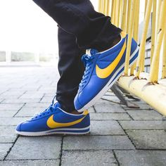 Nike Cortez Leather  Blue Yellow Nike Cortez Leather 68025a46333