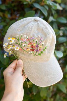Adjustable Trucker Baseball Cap for Unisex Unisex 100/% Polyester Flamingos are Foraging Mesh Hat