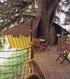 Un rêve d'enfant....construire une cabane dans les arbres....et y dormir - Cabane Aves Terrasse