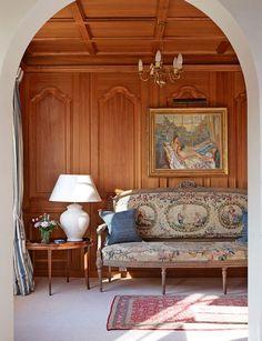 #Traditional sitting room #interior design #home decor