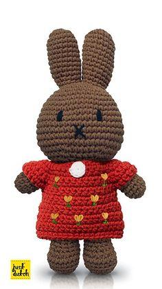 nina: gehaakt met rode tulpenjurk in de winkel van Nijntje Sewing Patterns, Crochet Patterns, Miffy, Cute Toys, Soft Dolls, Handmade Toys, Hobbit, Teddy Bear, Baby