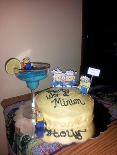 21st minion birthday cake! Minion lovers will adore this cute 21st cake idea!