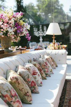 Rosamaria G Frangini Wedding Lounge, Brunch Wedding, Dream Wedding, Party Decoration, Flower Decorations, Wedding Decorations, Wedding Planners, Wedding Wishes, Celebrity Weddings